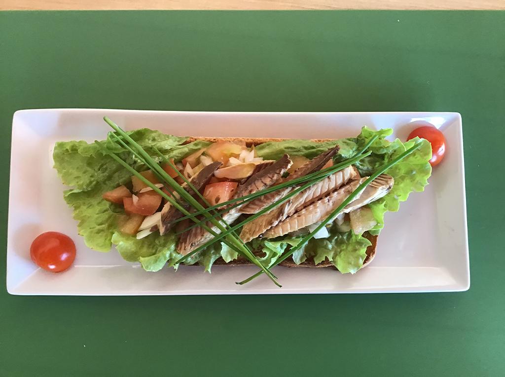 M25. Bar/ Restaurante Verd'Água